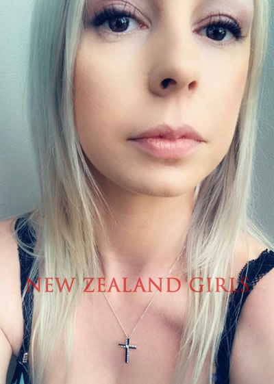 Auckland Escort Violet Grace -24 year old Blonde seductress available in Palmerston North