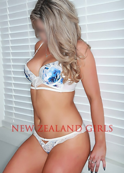 Auckland Escort Chloe -Outgoing, bubbly 24 year old blonde stunner at Black Tie.